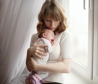 Babys Schreien mit mit innerer Ruhe begleiten